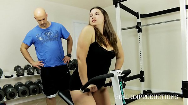 Workout Stepmom's Hot Wet Pussy in Gym